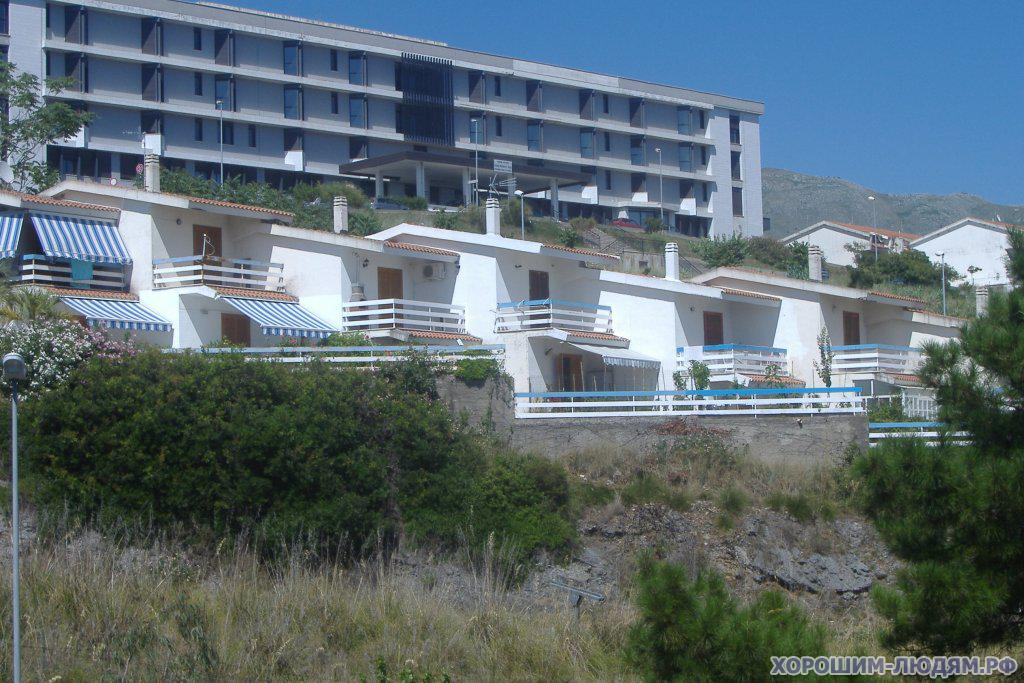 Sale of apartments in the mortgage in Scalea on the beach